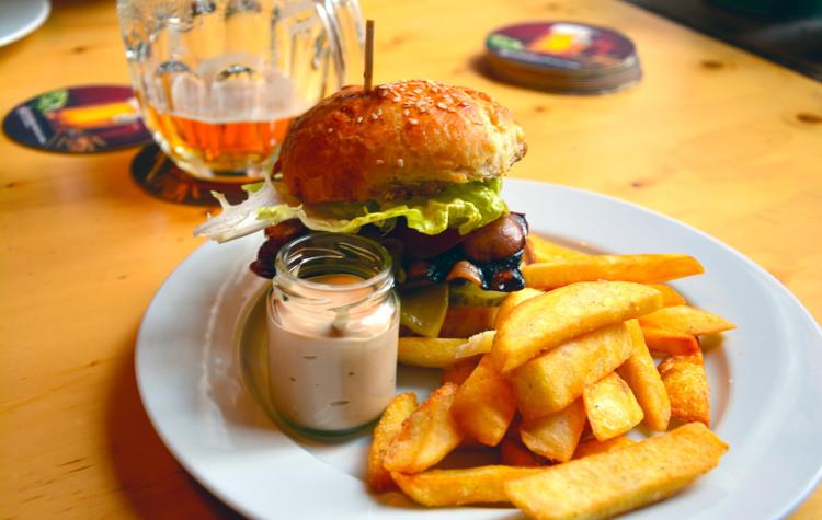 burger košice tabačka
