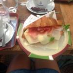 Croissant v Marthy's Bistro Praha