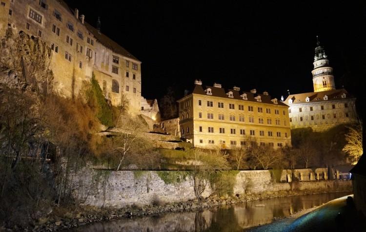 Český Krumlov v noci (zdroj: pixabay.com)