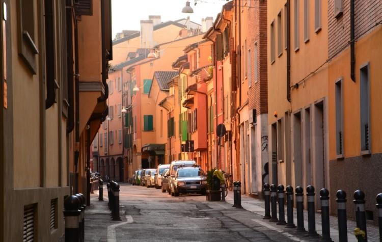 bologna ulicka farby