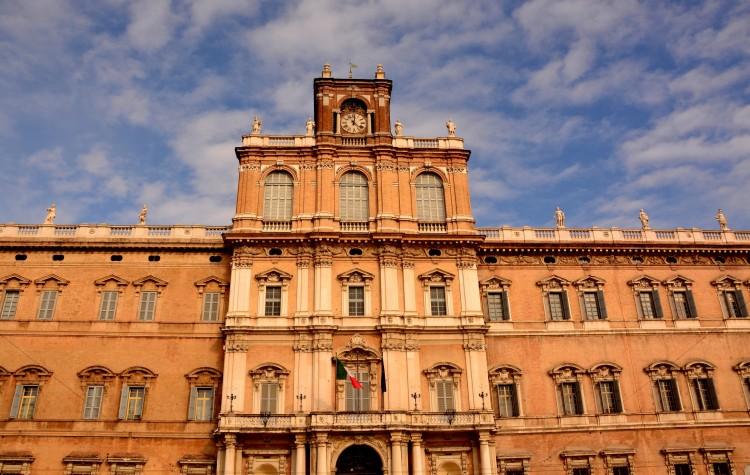 piazza rome Accademia Militare modena
