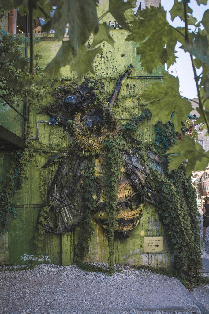 Bordalo II street art lisabon