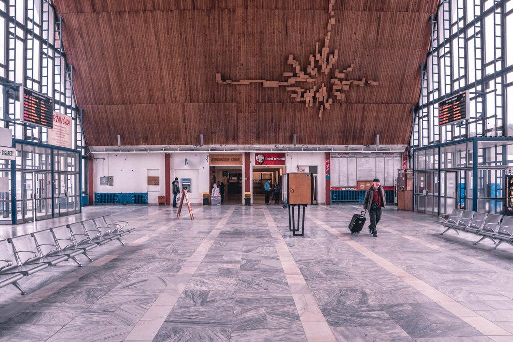 čadca interiér železničnej stanice