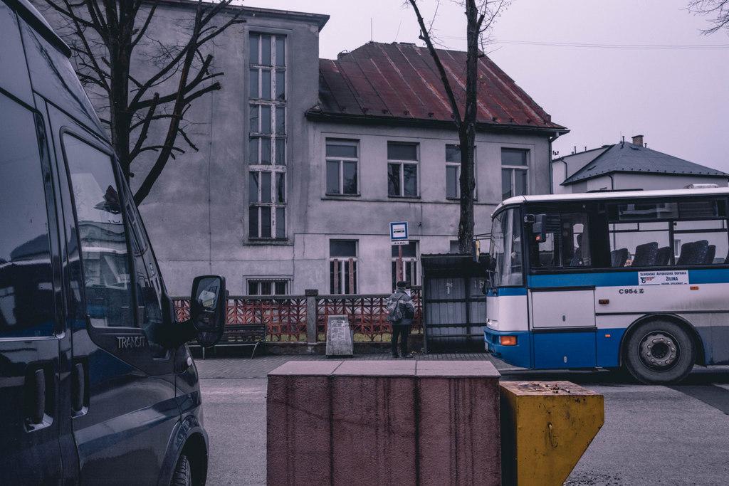 autobusová zastávka čadca 1